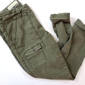 Pilcro Army Green Crops